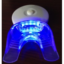 whitening-light-with-mouth-tray